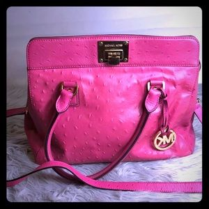 AUTH MK OSTRICH EMBOSSED PINK ASTRID CRSSBDY BAG